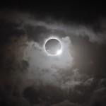 Respuestas (XLIV): ¿Por qué la Luna se vuelve roja durante un eclipse lunar?